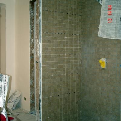 Ristrutturazione appartamento - cabina doccia (foto di cantiere)