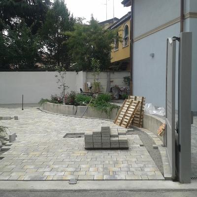 pavimentazione esterna in autobloccanti