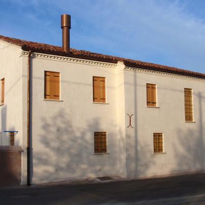 Abitazione casa esterno: risolto problema umidità ai muri
