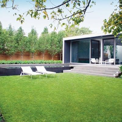 Idee e foto di terrazzo e giardino di stile moderno per for Idee giardino moderno
