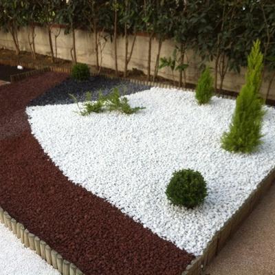 Idee e foto di terrazzo e giardino a modena per ispirarti for Idee giardino moderno