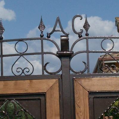 Cancello in ferro battuto personalizzato
