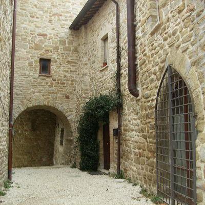 Ristrutturazione completa castello di Porziano in Assisi ( PG )