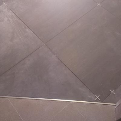 Pavimento 60x60 diagonale