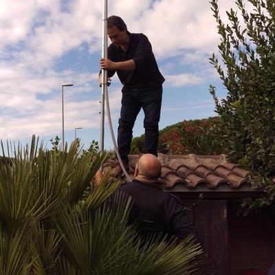Installazione telecamere radio per protezione giardino casa privata
