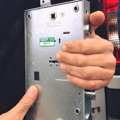 Specializzati in tutti tipi di serrature blindata e cilindri
