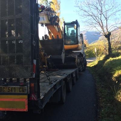 Escavatore 235 quintali x demolizioni e scavi