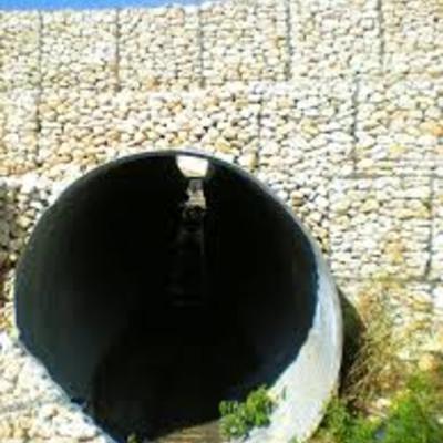 intubazione di un rio con sachhi in pietra finito