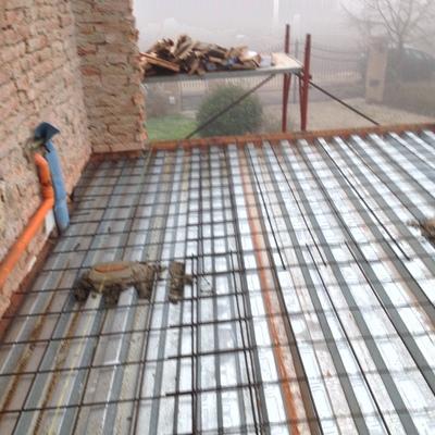costruzione solaio callaborante sopra all'esistente mediante lastre grecate tipo HI- BOND