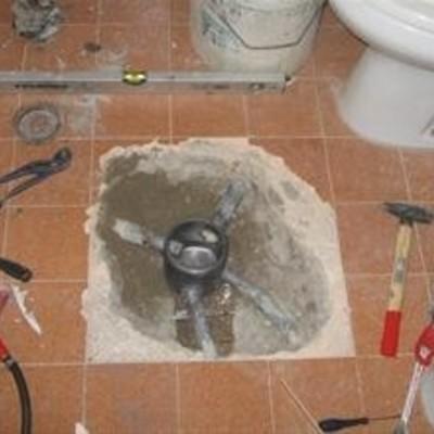 Installazione impianti idrici e/o riparazioni di ogni tipo, su civile e/o industriale