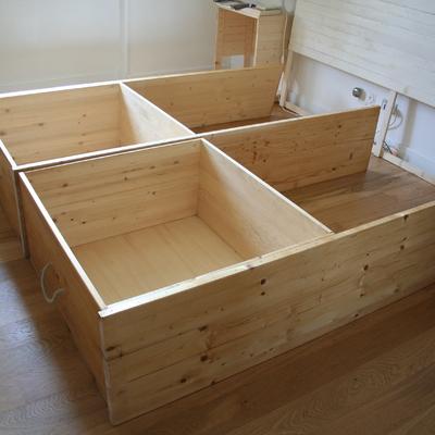 Letto in abete con cassetti contenitori