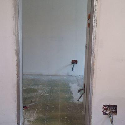 sistemazione  spallette porta