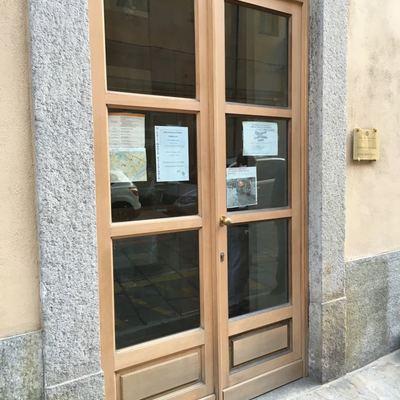 Restauro porte,portone e finestre segreteria Università di Via Verdi ubicato a Torino