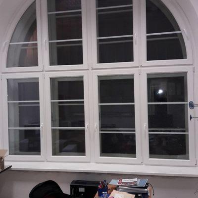 Finestra ad arco in pvc bianco