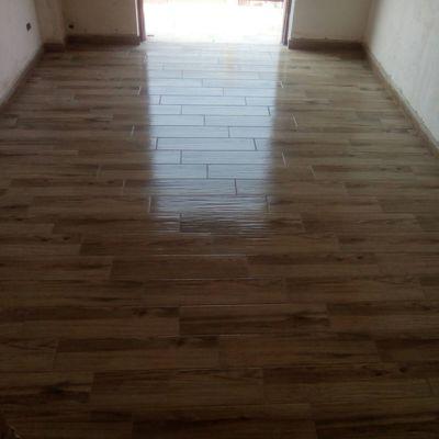pavimento effetto finto parquet
