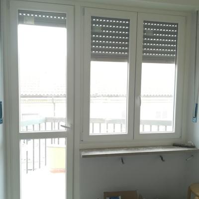 zoppa finestra + porta pvc