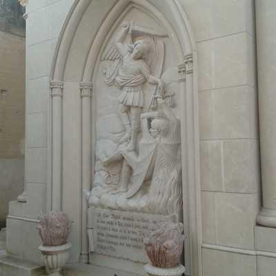 scultura cappella in pietra
