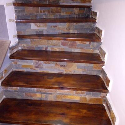 Pittura di scale in legno