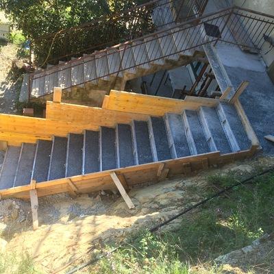 Scala in cemento armato  a Albissola