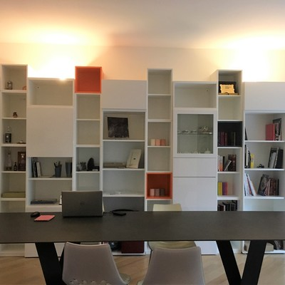 Libreria per salotto a Milano