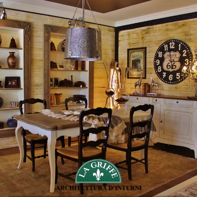 Ambiente Country con rustiche pareti in legno
