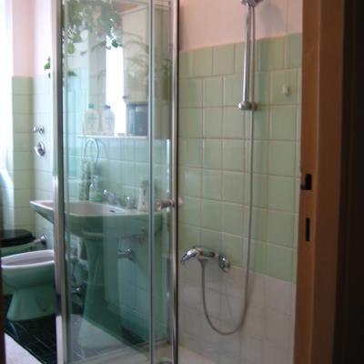 Realizzazione zona doccia (2)