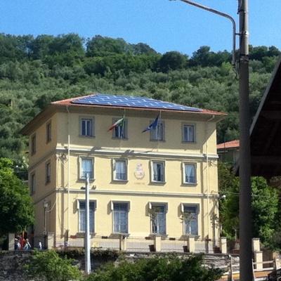 Impianto fotovoltaico su edificio comunale