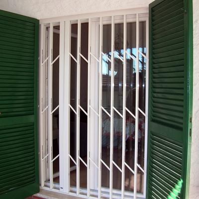 Bracaccini infissi sirolo - Inferriate estensibili per finestre ...