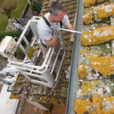 Installazione, riparazione  e pulizia grondaie
