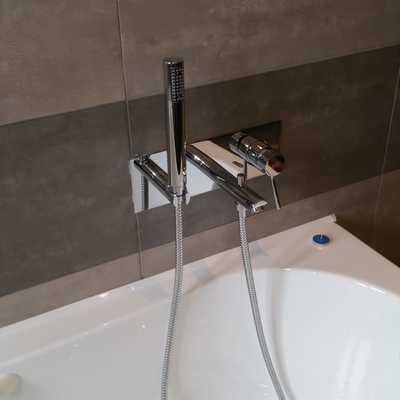 istallazione sanitari compresi di rubinetti