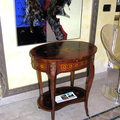Mobili - Tavolino in stile