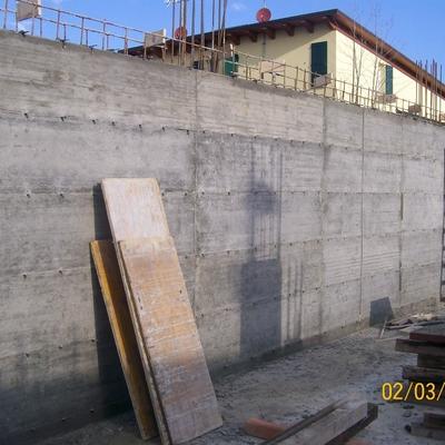 Prezzi e info per costruire un muro in cemento armato for Costo per costruire pilastri di pietra
