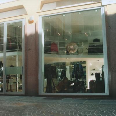 Negozio di calzature e abbigliamento