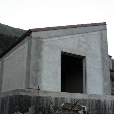 nuova costruzione con rivestimento a cappotto