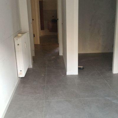 pavimentazione appartamento ristrutturato 60x60 effetto cemento mq 100