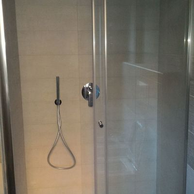nuova doccia dim. 140x80