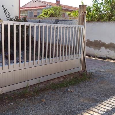 Cancello scorrevole in alluminio