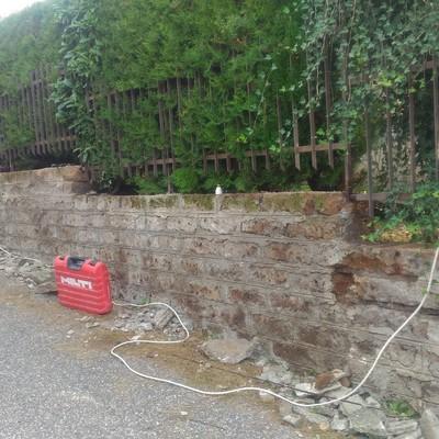 Risanamento muro in tufo