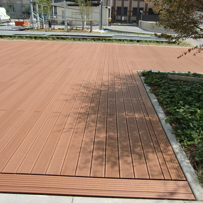 pavimento esterno in wpc marone