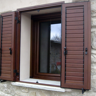 Idee e foto di finestre e porte a como per ispirarti for Preventivo finestre alluminio