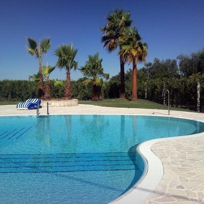 piscina a sfioro e gres