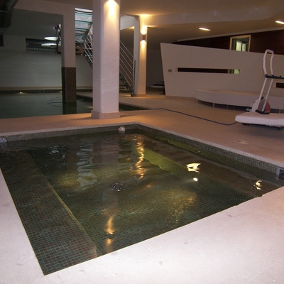 PISCINA PRIVATA ( INTERNA )