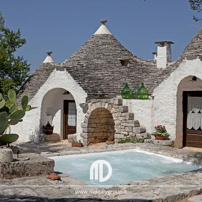 piscina relax trulli Alberobello puglia