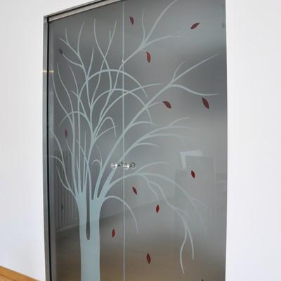 Doppia porta vetro su controtelaio a scomparsa scrigno essential