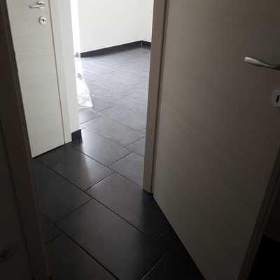 GALLARATE 2 corridoio e porte