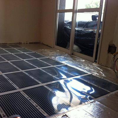 Posa in opera di riscaldamento a pavimento in carbonio
