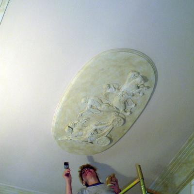 Posa in opera e decorazione a di Altorilievo a soffitto in finto marmo de La Bottega degli Stucchi