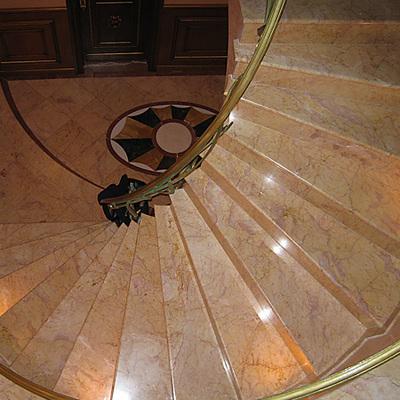 Idee e foto di scale di stile classico per ispirarti for Marmi scala