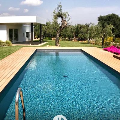 piscina lunga