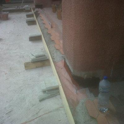 Predisposizione per posa pavimentazione e formazione di cemento martellinato